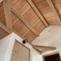 板貼りの天井